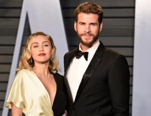 El sencillo pero lujoso vestido con el que se casó Miley Cyrus