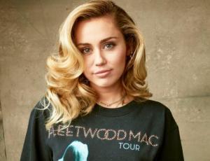 Miley Cyrus comparte sensuales fotografías en redes sociales