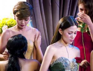 """Dos mujeres en """"The Bachelor"""" dejaron la competencia para estar juntas"""