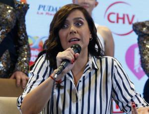 Natalia Valdebenito critica la actitud chilena frente al humor