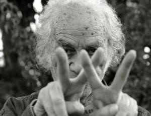 Nicanor Parra, el irreverente chileno creador de la 'antipoesía