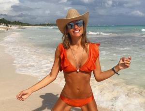 El divertido chascarro de Pampita en las playas de la Riviera Maya