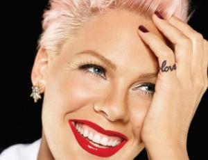 """Pink estrena canción para el soundtrack de """"Alicia a través del espejo"""""""