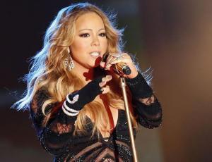Mariah Carey quema su vestido de novia en un nuevo video clip