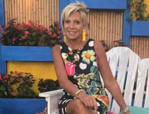 Raquel Argandoña sorprende con pijama urbano en evento