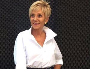 Raquel Argandoña sorprende con look militar y full parches