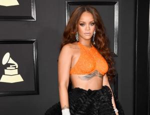 Rihanna es premiada por su solidaridad en la Universidad Harvard