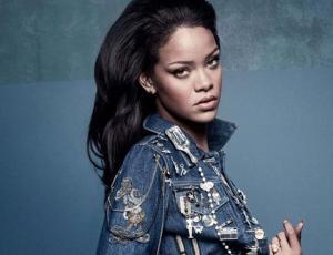 Rihanna llevó el look hippie chic a la alfombra roja