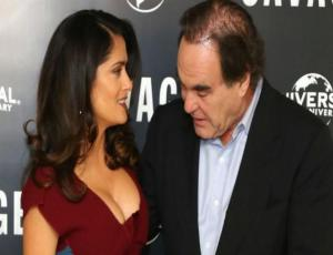 Filtran polémicas fotos de Salma Hayek con Oliver Stone y causan escándalo en Hollywood