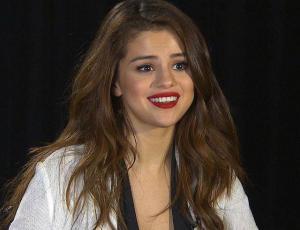 Selena Gomez se rehúsa a hablar del compromiso de Justin Bieber