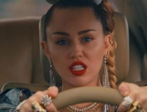 Miley Cyrus regresa a la música haciendo eco de su lado más rebelde