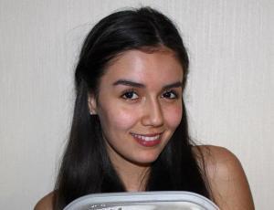 Steffi Méndez muestra su abdomen tras comer seis veces al día