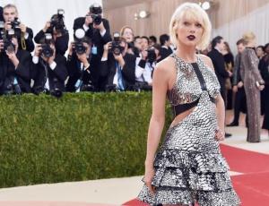 Captan a Taylor Swift con su nuevo amor