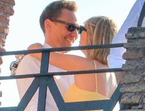 Las románticas fotos de Taylor Swift y Tom Hiddleston en Roma