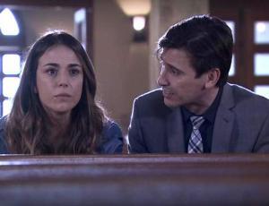 Ignacia Baeza y Álvaro Espinoza son nominados al Copihue de Oro
