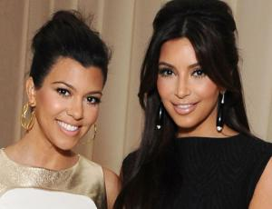 Kris Jenner sube foto de Kim y Kourtney Kardashian cuando eran pequeñas