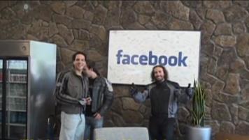 Capítulo 38: Los patudos entran a Facebook